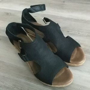 Clarks black wedge sandals size 8